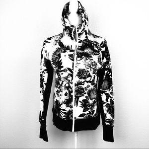 Lululemon Calm Cozy Jacket Black/WhiteRose Floral